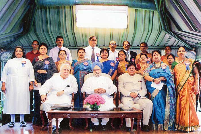 The National Teachers Award 2010 recepients with Dr. Manmohan Singh, PM.
